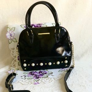 Steve Madden Black Purse with Pearl Detail!